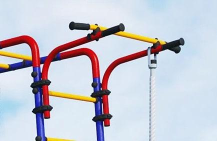Plac zabaw Akrobata - drążek przesuwny